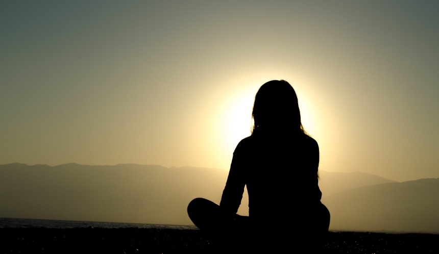 how do you calm anxiety, Benefits of Meditation, change your mindset, goal of Buddhism, developing minds, changing thought patterns, personal development through mindfulness, commit to sit, science based mindfulness, inner contentment, what meditation does for the brain,